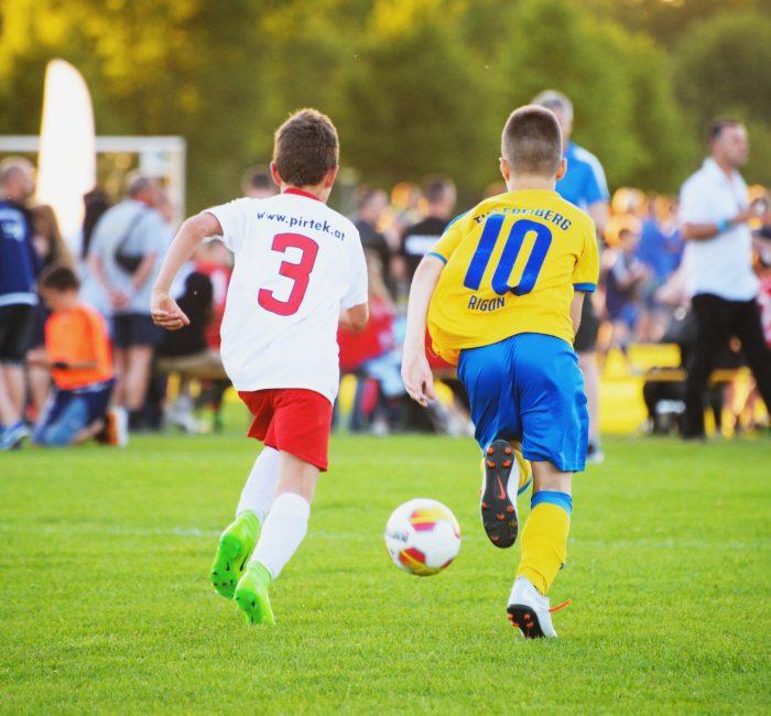 Internationale_Fußballturniere_Spielszene_E-Jugend